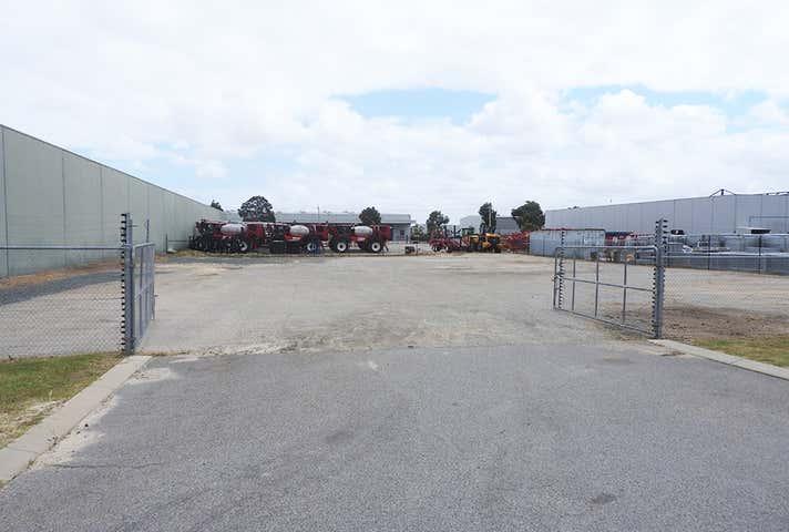 29 Bungana Avenue Perth Airport WA 6105 - Image 1