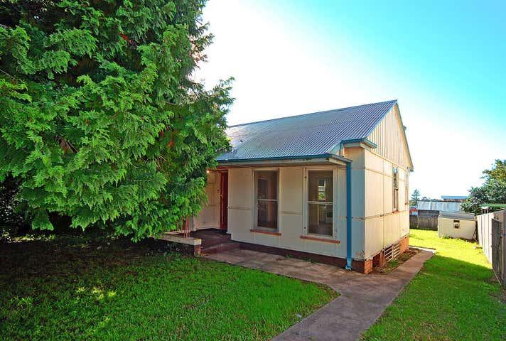 10  Burr Avenue Nowra NSW 2541 - Image 1