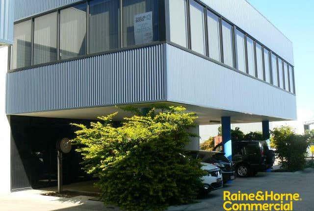 Suite 1, 3/19 Islander Rd Pialba QLD 4655 - Image 1