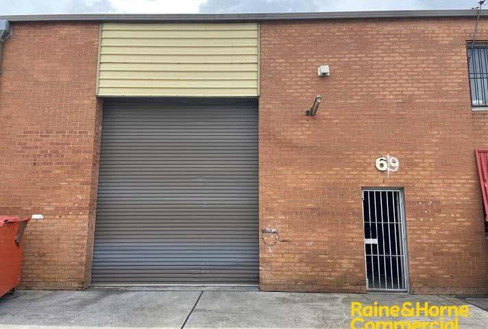 Unit 6, 9 Swaffham Road Minto NSW 2566 - Image 1