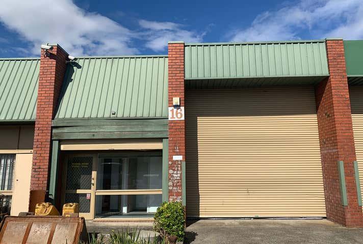 16/16 Macquarie Place Boronia VIC 3155 - Image 1