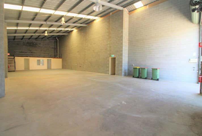 Unit 1, 36a Vanity Street Rockville QLD 4350 - Image 1
