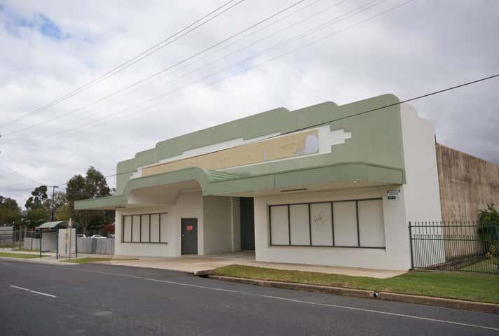 877 Mate Street North Albury NSW 2640 - Image 1