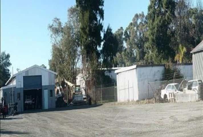 11 Gentle Road Medina WA 6167 - Image 1