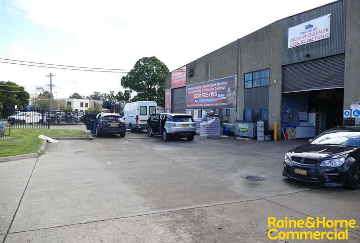 Unit 2, 5 Mitchell Road Moorebank NSW 2170 - Image 1