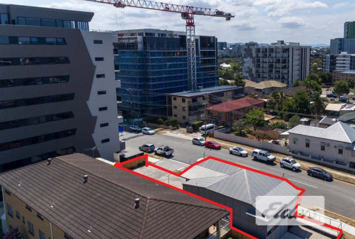 71 Cleveland Street Greenslopes QLD 4120 - Image 1