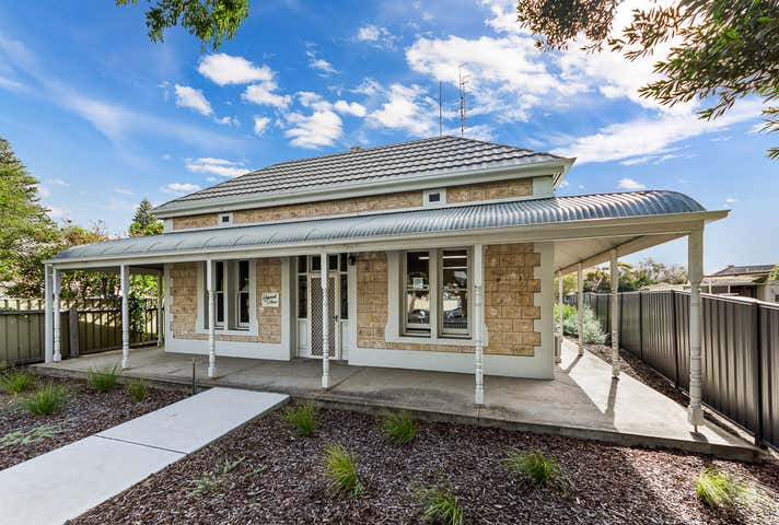 Weymouth House, 51 Torrens Street Victor Harbor SA 5211 - Image 1