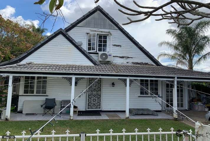 135  Kianawah Road Wynnum West QLD 4178 - Image 1