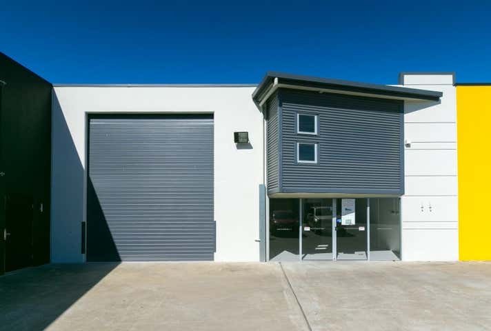 2/92 Beach Road Pialba QLD 4655 - Image 1