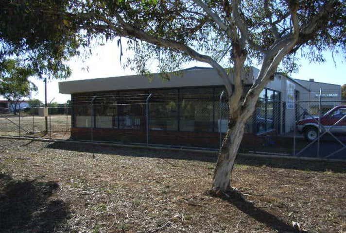 4 Clark St Parkes NSW 2870 - Image 1
