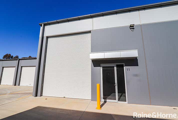 11/20 Corporation Avenue Robin Hill NSW 2795 - Image 1