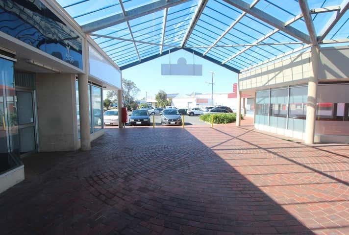 7/271 Esplanade Lakes Entrance VIC 3909 - Image 1