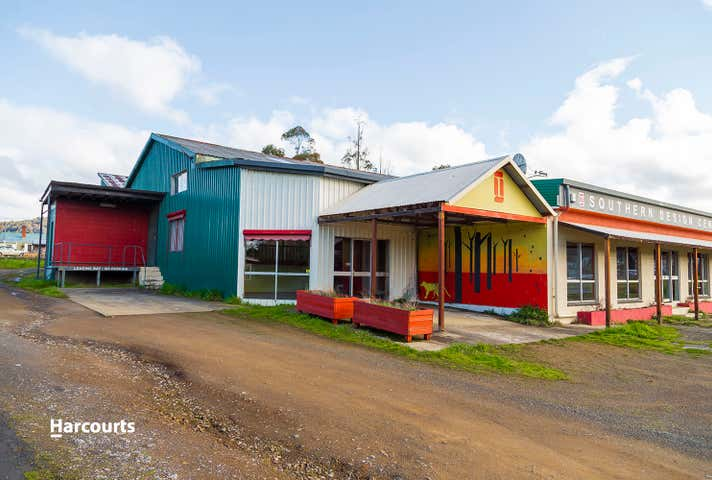 11 School Road Geeveston TAS 7116 - Image 1