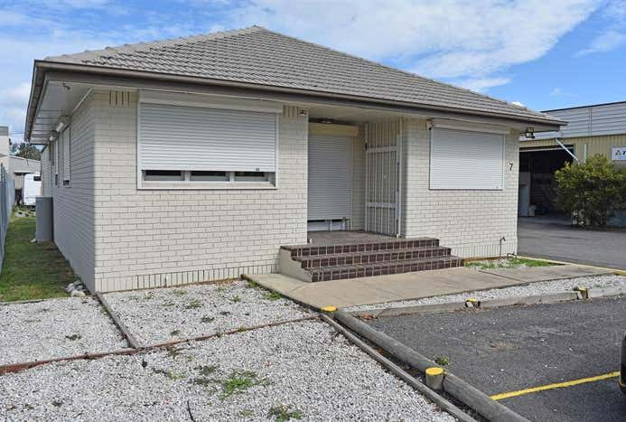 Unit 7, 50 Medcalf Street Warners Bay NSW 2282 - Image 1