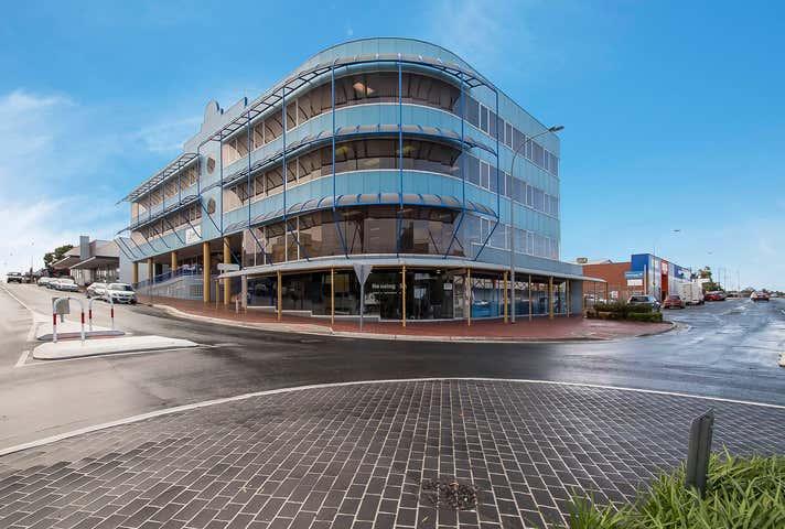 Mobilong House, 3 South Terrace Murray Bridge SA 5253 - Image 1
