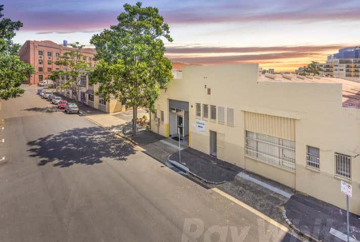 14 Helen Street Teneriffe QLD 4005 - Image 1