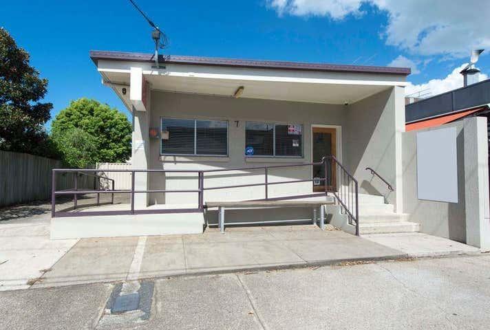 7 Third Avenue Sandgate QLD 4017 - Image 1