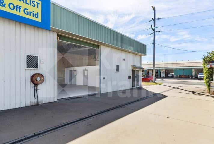 1/8 Robison Street Park Avenue QLD 4701 - Image 1
