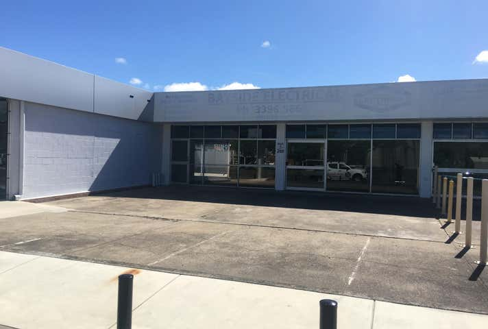 2 / 280 Tingal Road Wynnum QLD 4178 - Image 1