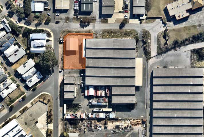 Unit 2, 1 Naylor Street South Fremantle WA 6162 - Image 1
