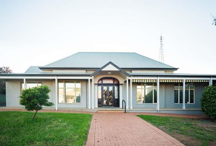 333-335 Clarinda Street Parkes NSW 2870 - Image 1
