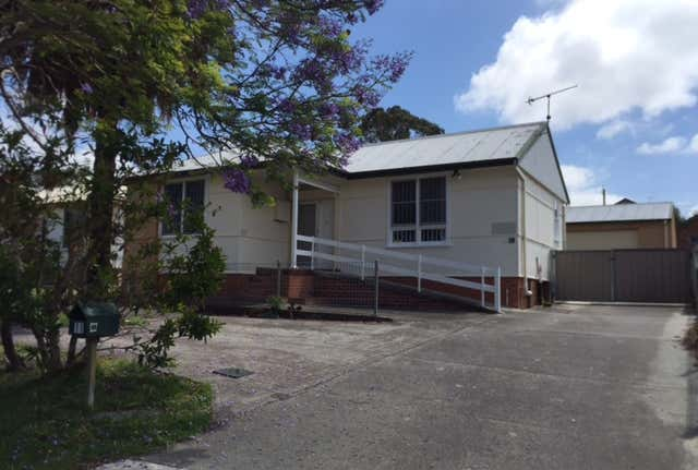11 Burr Avenue Nowra NSW 2541 - Image 1
