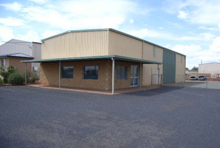 26 Saleyards Rd Parkes NSW 2870 - Image 1