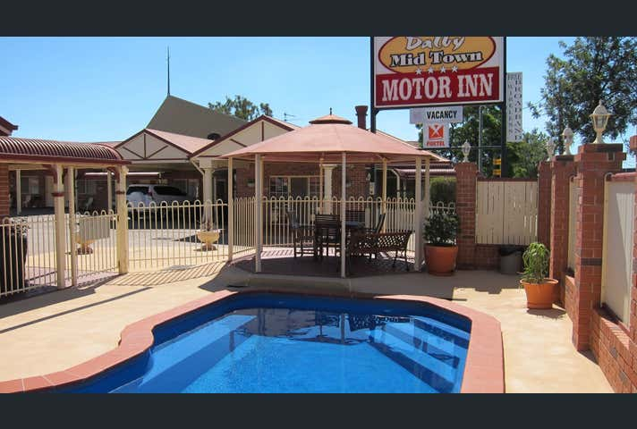 60 Condamine Street Dalby QLD 4405 - Image 1