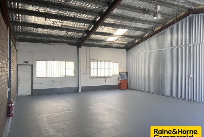 1A & 1B, 19 Beach Street Kippa-Ring QLD 4021 - Image 1