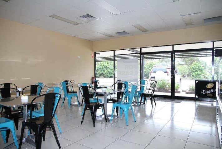 Airport Service Centre, 3/3 William Dean Avenue Urangan QLD 4655 - Image 1