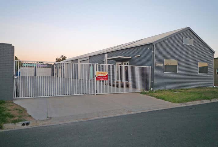 20 Union Street Sale VIC 3850 - Image 1