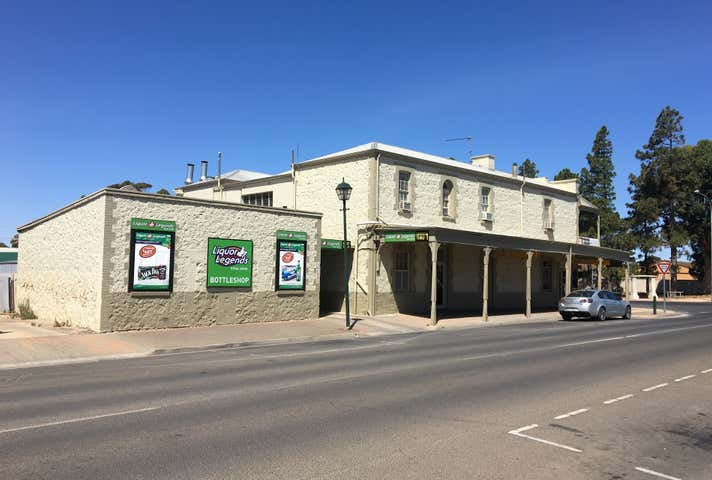 Royal Hotel Moonta, 2 Ryan Street Moonta SA 5558 - Image 1