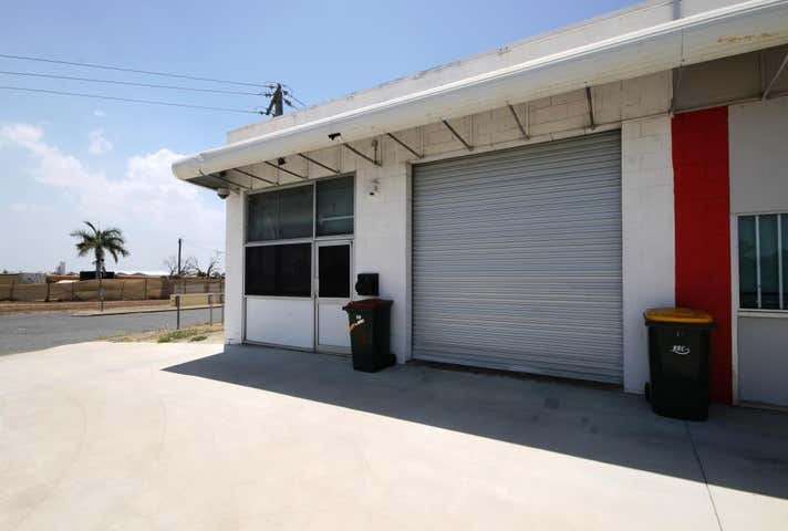 Unit 2, 26 KNIGHT STREET Park Avenue QLD 4701 - Image 1
