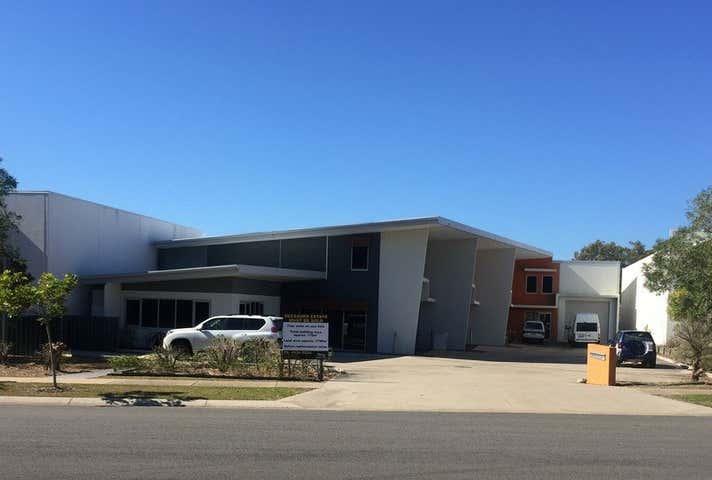 26 Southern Cross Circuit Urangan QLD 4655 - Image 1