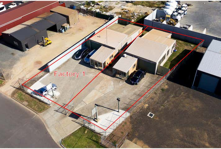 2/14a Wade Court Sale VIC 3850 - Image 1
