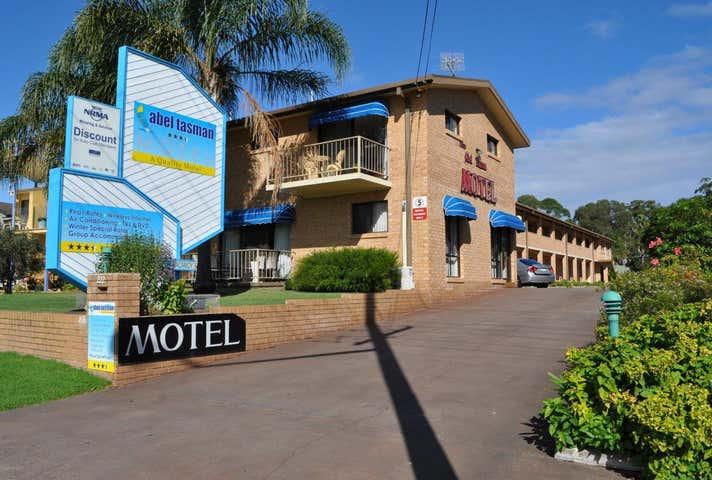 222 Beach Road, Batehaven, NSW 2536