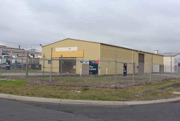 111 Airlie Bank Road Morwell VIC 3840 - Image 1