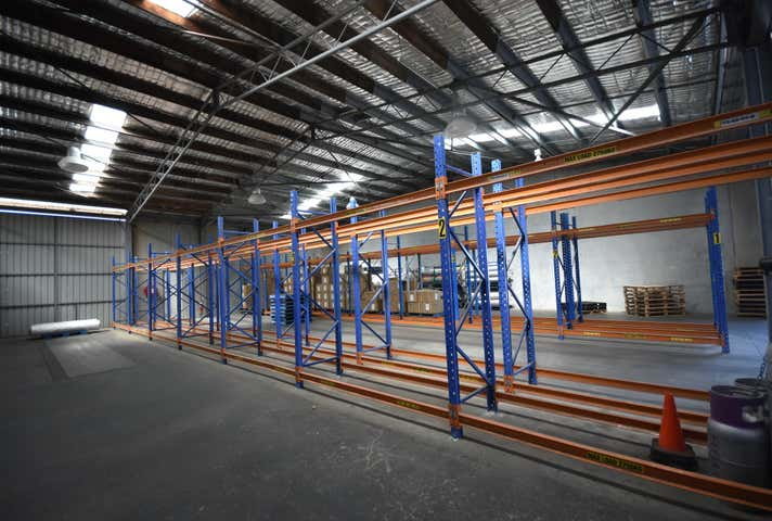 Rear, 555 Nurigong Street Albury NSW 2640 - Image 1