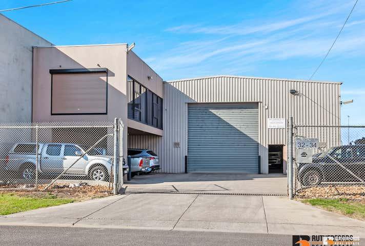 32 Ralston Avenue Sunshine North VIC 3020 - Image 1