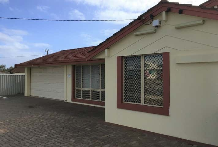 8 Grange Drive Cooloongup WA 6168 - Image 1