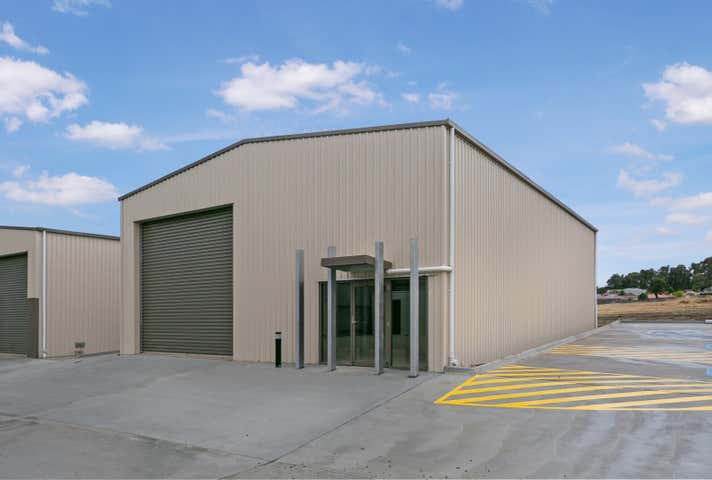 Shed 6, 4 Schoder Street Strathdale VIC 3550 - Image 1