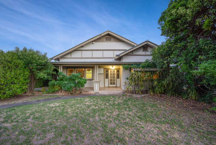 222 Beechworth Road Wodonga VIC 3690 - Image 1