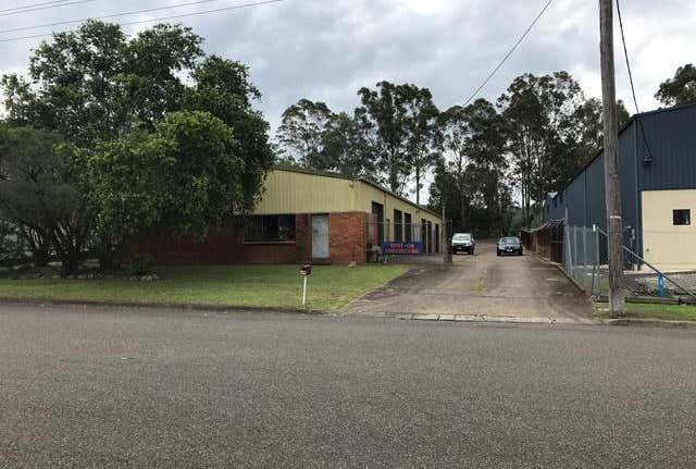 Bay 4/20 Arkwright Crescent Taree NSW 2430 - Image 1