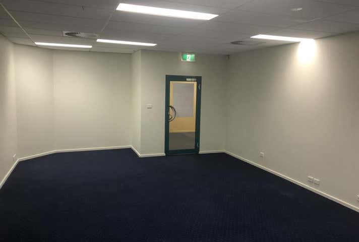 Suite 4, 1st Floor, 64 Talbragar Street Dubbo NSW 2830 - Image 1