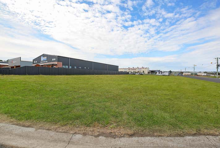 61 Hugh Murray Drive Colac East VIC 3250 - Image 1