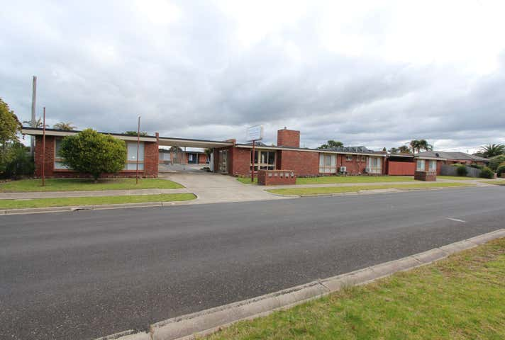 5 Clarkes Road Lakes Entrance VIC 3909 - Image 1