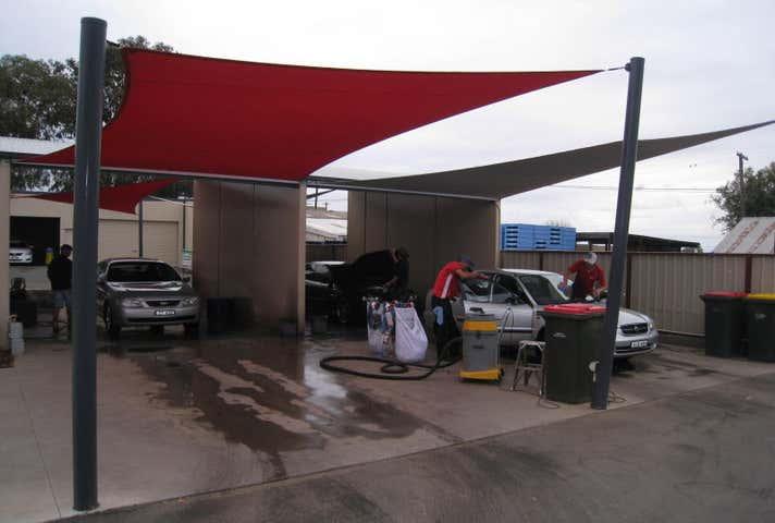 Eezee Carwash, 2 Out Street Tamworth NSW 2340 - Image 1