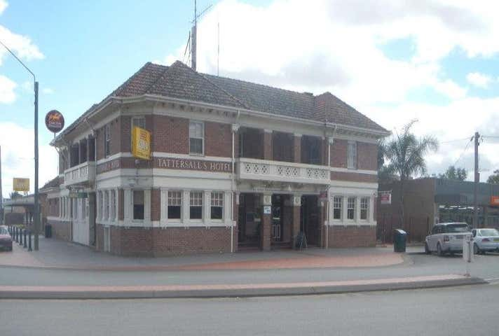 Tattersalls Hotel, 2-6 Deniliquin Street Tocumwal NSW 2714 - Image 1
