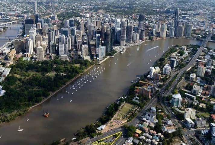 8 River Terrace Kangaroo Point QLD 4169 - Image 1
