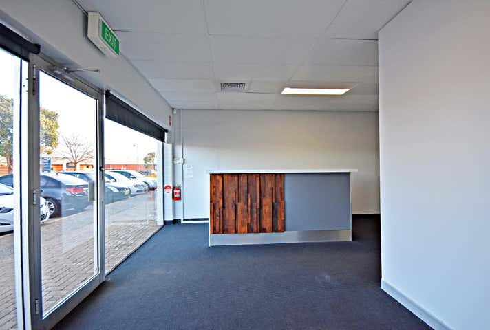 2/334 Griffith Road Lavington NSW 2641 - Image 1